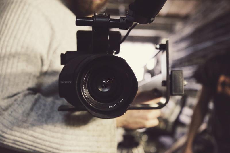 Hľadám šikovného človeka na natočenie a produkciu videa